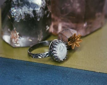 Dainty sterling silver oval moonstone ring US size 7.5