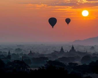 Sunrise in Bagan, from Shwesandaw temple