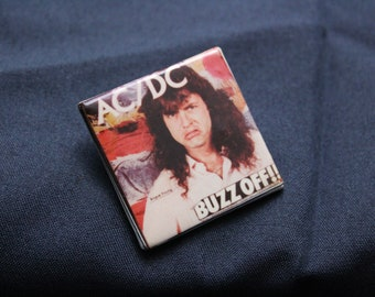 vintage AC/DC pin - great condition!