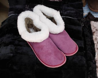 Slippers of natural fur