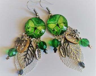 Green butterflies with pearls