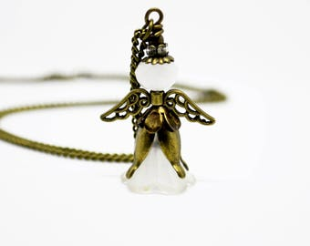 Guardian angel necklace, vintage, Angel
