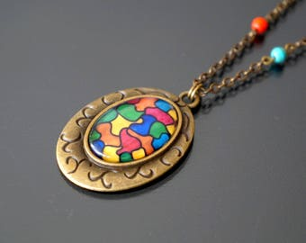 Necklace with multicolored cabochons.