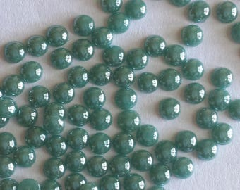 100 cabochon round 4mm green glass Pearl