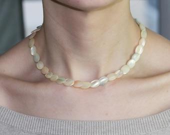Très beau collier ancien en perles de nacre