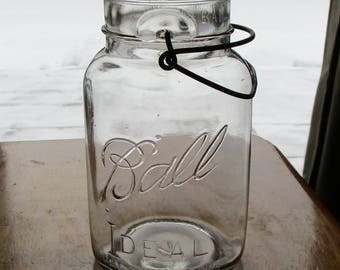 Vintage BALL IDEAL pat D 1908 food jar quart sized