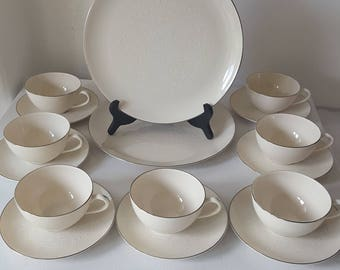 16 Pc 1965 Pickard China Damask Pattern; 14 Teacups/Saucers and 2 Dinner Plates