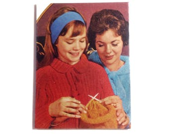 Large OOAK Handmade Magnet 'Mother Daughter Knitting' Knitter Gift Vintage Knitting Mid Century Kitchen Decor Mother Gift Kitsch - No US-15