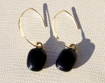 Earrings plated gold and black glass