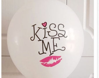 Wholesale 2 Kiss Me Lipstick Red White love  Balloons - Closeout Price