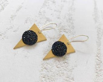 gaze earrings //