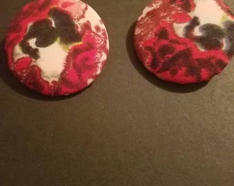 Designed Button Ear rings