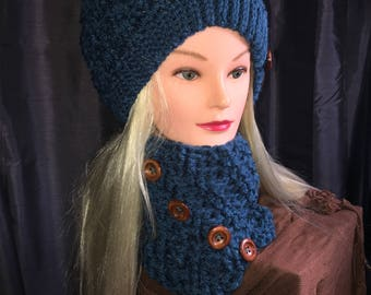 Women's Polar Vortex Slouch Hat And Matching Cowl In Peacock Blue