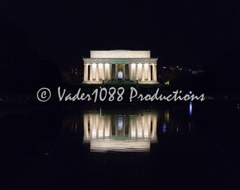 Lincoln Memorial At Night Reflecting In The Pool