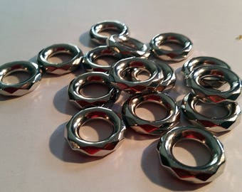 Lots of 40 different rings for scarf