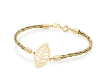 """Bracelet with """"Leaf"""" shaped pendant"""