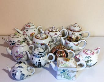 Set of 12 mini-theieres porcelain Franklin Mint