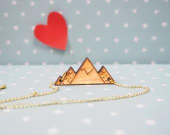 Mountain necklace snow