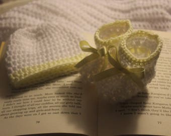 Baby Bootys and Beanie-white with Lemon trim & bow