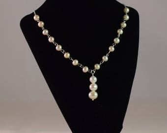 Pearl V Style Necklace