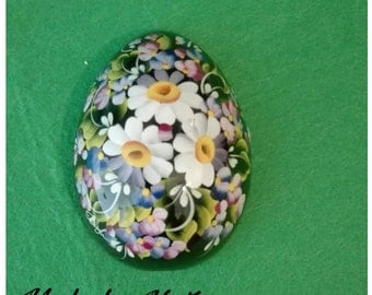 Egg-shaped magnet-hand-decorated