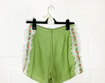Sweet Upcycled Clothing Green Highwaisted Lace Floral Vintage Inspired Embroidery Shorts (001)