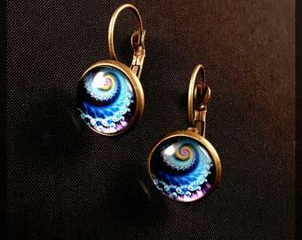 Earrings with Shell motif
