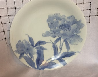 Chinese blue and white plate with peony design