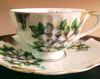 Vintage Tea Cup w Saucer