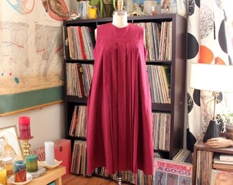 vintage 1980s maternity dress with pockets . merlot red dress, sleeveless pleated dress with waist tie . small to medium