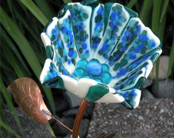 Glass Garden Stake Flower Yard Art in Shades of Blue with Copper Stem & Leaves