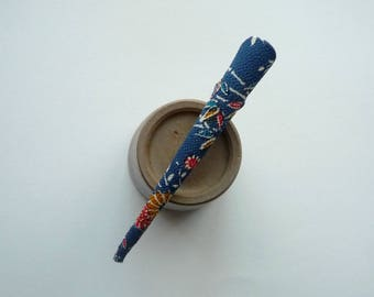 Chirimen Recycle Kimono Accessory, Silk Vintage Textile Long Clip, Blue Alligator Clip, Beak Clip
