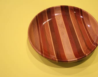 VINTAGE wooden bowl made in New Zealand
