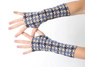 Blue houndstooth armwarmers, Stretchy jersey fingerless gloves, Vintage blue and beige patterned fabric, Gift idea for men or women, MALAM