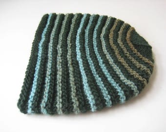 knit green and blue cap knit hat