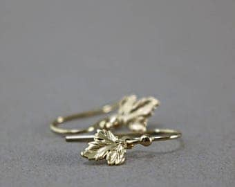 Gold leaves earrings, small maple leaf, Nature inspired jewelry