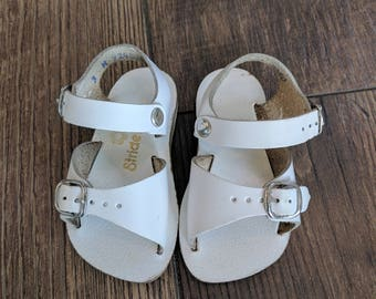 Vintage White Leather Baby Sandals