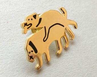 Gold enamel Pin Badge. DOGS IN LOVE.