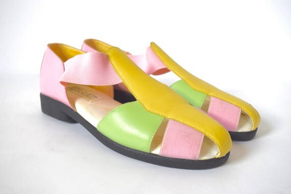 Vintage 80s 90s Pastel Color Blocked Sandals (size 9M)