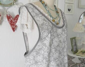 Pretty Grey & White wrap Apron Lg-Xlg