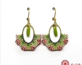 Boucles d'oreilles tissées Miyuki, ovales,Brickstitch, boucles laiton et rocailles, dormeuse, boucles d'oreilles vert rose