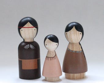 Native American Wooden Peg Dolls // wooden dolls peg dolls dollhouse