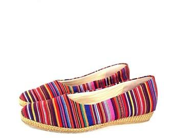 90's southwest STRIPES shoes // vintage canvas flat espadrilles // shoes 7.5 N
