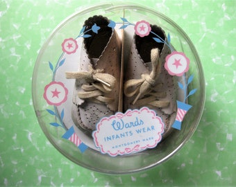 Adorable Vintage Infant Shoes in Original Plastic Box with Small Card, Montgomery Ward