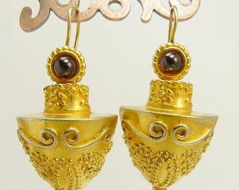 HMR Heritage Museum Etruscan Design Pierced Earrings