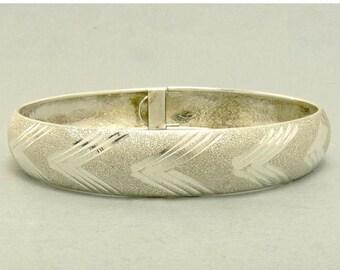 Vintage Sterling Silver Bangle Bracelet Textured Design HAN 925