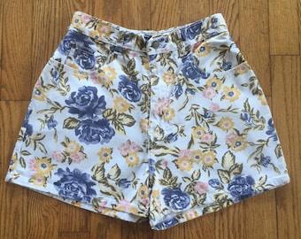 Vintage 90s White Floral High Waist Denim Shorts - 26 inch waist