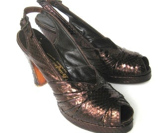 1940s Metallic Brown Lizard Leather Peep-Toe Platform Pumps / Snakeskin Pumps / Vintage Shoes / Rockabilly Style Open Toe Pumps Slingback