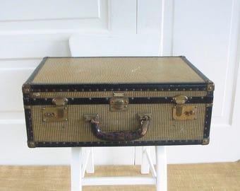 Vintage Suitcase, Tan Brown Suitcase, Vintage Luggage, Antique Suitcase, Tweed Suitcase, Oshkosh Suitcase, Large Suitcase, Black Suitcase