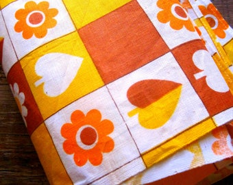 Vintage Tea Towel, 1970s Dish Cloth, Wall Art, Vintage Kitchen Linen, Retro Kitchen Linen, Vintage Kitchenalia, Linen Wall Hanging, 1970s